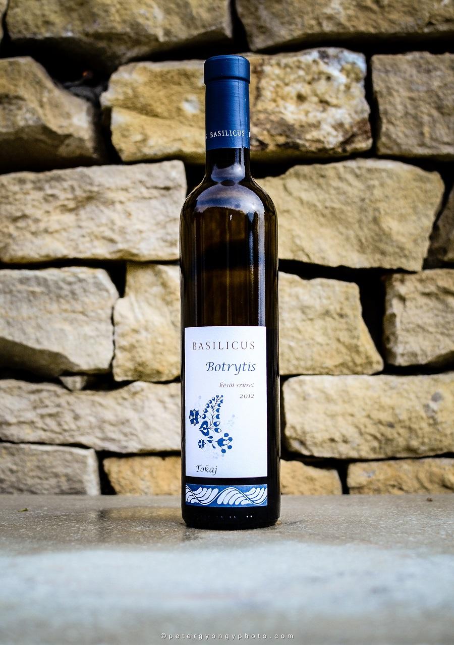 Borászportál vakteszt: A Basilicus Botrytis 2012 bekerült a Tokaj Grand TOP 10 édes bora közé!